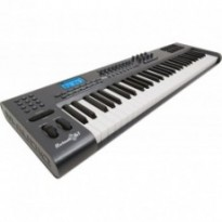 MIDI-клавиатура M-Audio AXIOM AIR 61