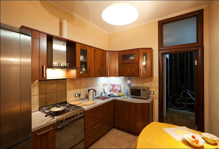 Газовая плита в интерьере кухни фото