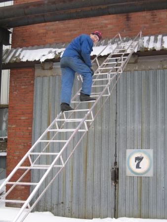 Как сделать лестницу из алюминия своими руками